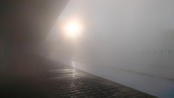 Il devient même parfois difficile de voir où l'on nage avec l'épais brouillard.DR