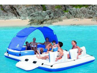 Une Île gonflable dans votre piscine : du fun sur l'eau!