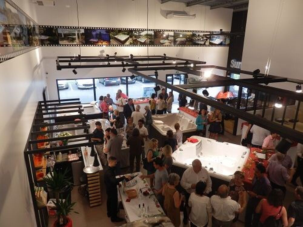 Inauguration du nouveau showroom Sundance Spas à Saint-Jean-d'Illac© Sundance Spas