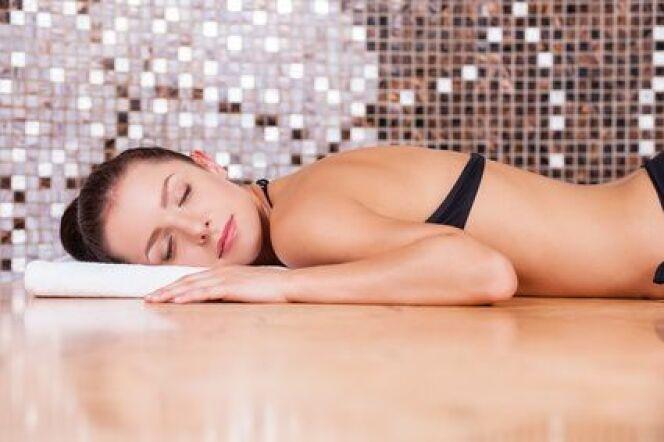"""Installer un hammam dans sa salle de bain n'est pas compliqué à condition de bien connaître les différents modèles.<span class=""""normal italic petit"""">© gstockstudio - Fotolia.com</span>"""