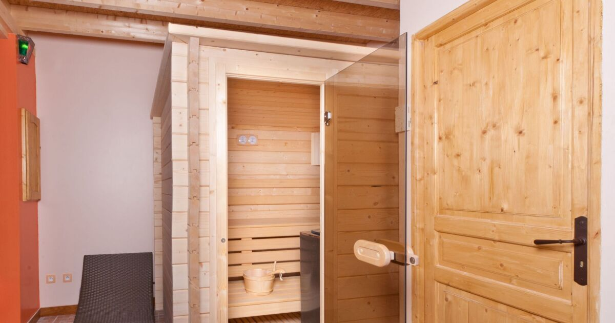 installer un sauna chez soi profitez des bienfaits du sauna toute l 39 ann e. Black Bedroom Furniture Sets. Home Design Ideas