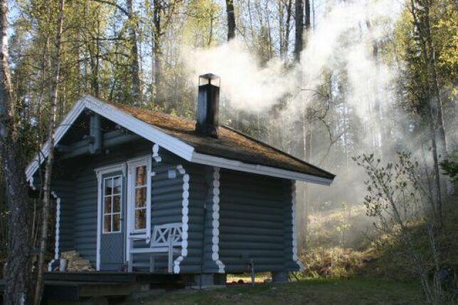 Le sauna russe se place traditionnellement à l'extérieur.