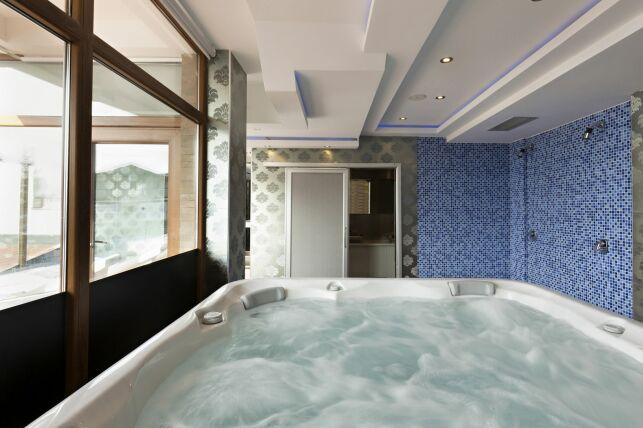 Installer un spa à l'intérieur : les contraintes