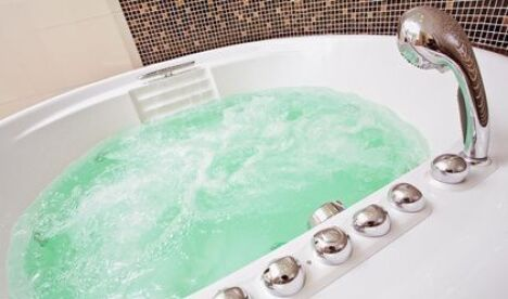 Installer une baignoire balnéo