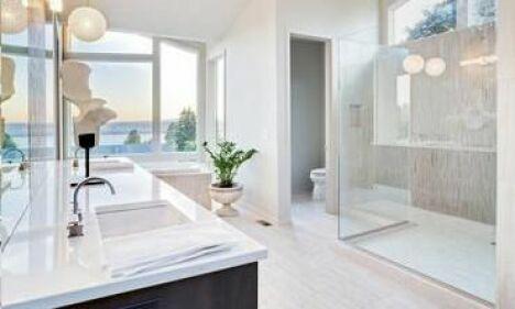 "Installer une douche balnéo<span class=""normal italic petit"">© bmak - Fotolia.com</span>"