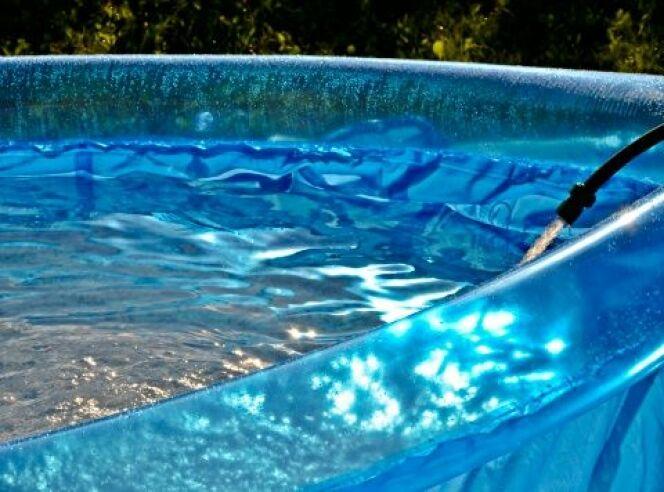 Installer une piscine gonflable sur une terrasse ou un balcon