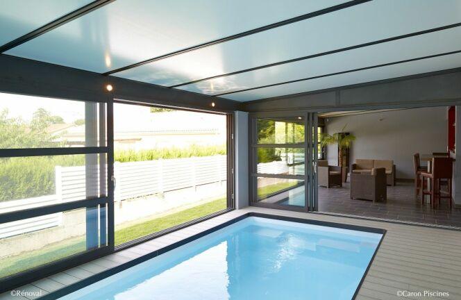 "Installer une piscine sous une véranda<span class=""normal italic petit"">© Piscines Caron</span>"