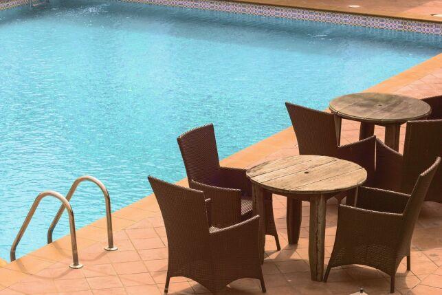 Installer une piscine sur votre terrasse