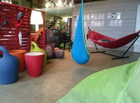 Intérieur Show room Kotéo, espace mobilier de terrasse