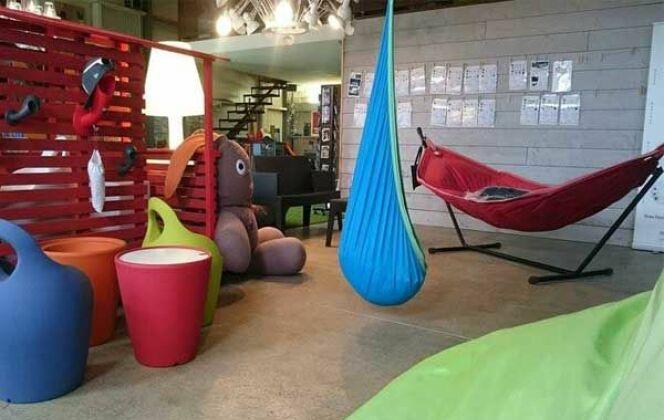 Intérieur Show room Kotéo, espace mobilier de terrasse DR