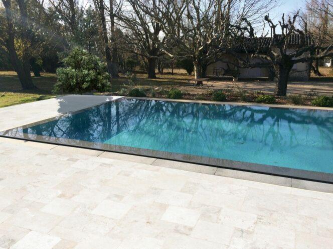 ISI-MIROIR : la piscine à débordement effet miroir