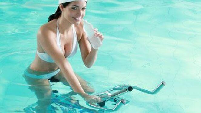 """J'ai testé pour vous... l'aquabiking<span class=""""normal italic petit"""">© RG. - Fotolia.com</span>"""