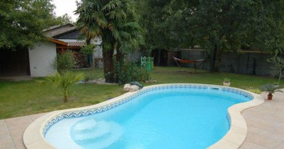 Piscine jb associ s domont pisciniste val d 39 oise 95 for Accessoire piscine yvelines