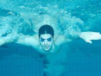 Je ne nage pas droit, que faire ?