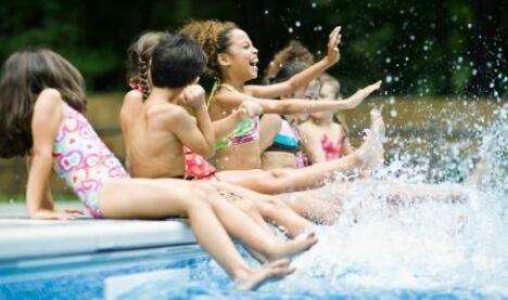 """Jeux dans l'eau<span class=""""normal italic petit"""">DR</span>"""