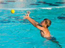 Des jeux dans sa piscine : bien plus amusant !