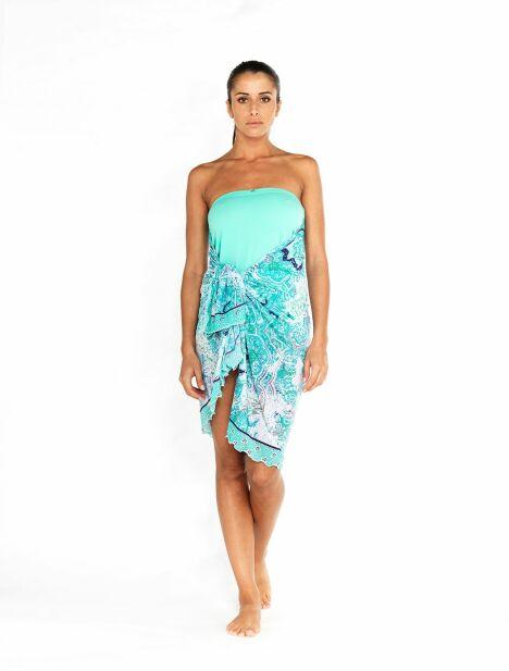 "Jupe paréo Oxygène portée en robe bustier<span class=""normal italic petit"">© Tamana France</span>"