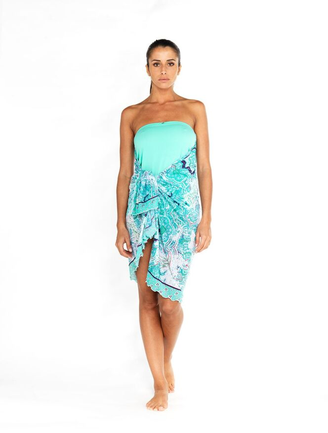 Jupe paréo Oxygène portée en robe bustier