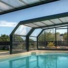 L'abri de piscine en acier