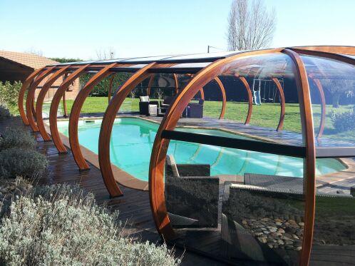 L'abri de piscine en bois : nature et efficacité