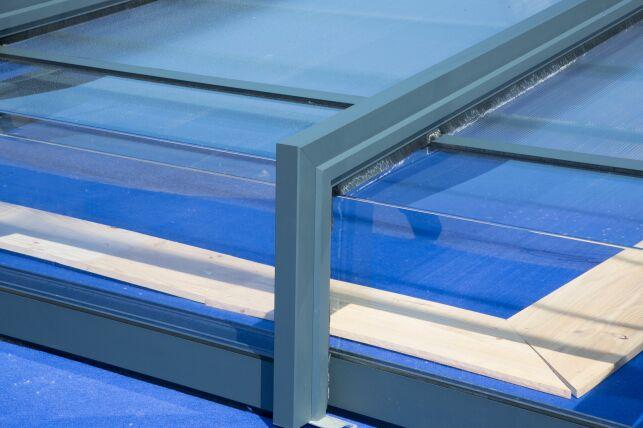 L'abri de piscine solaire photovoltaïque