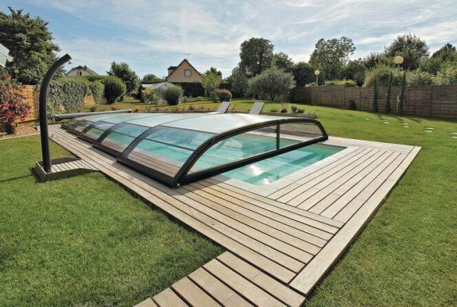 L'abri de piscine télescopique :  un abri qui se plie et se déplie sans effort