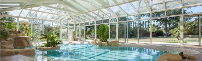 L'abri de piscine véranda : volume et espace de vie