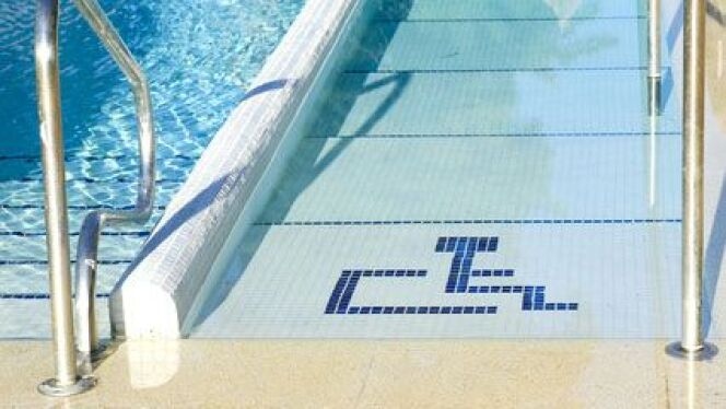 L'accessibilité d'une piscine pour les personnes handicapées