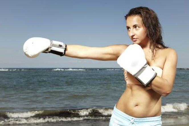 "L'aqua Kick Boxing<span class=""normal italic petit"">© Fotolia</span>"