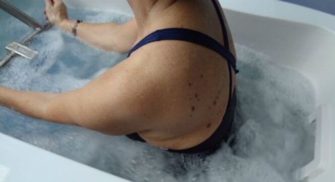 """L'aquabiking aide l'organisme à éliminer les toxines et le surplus d'eau<span class=""""normal italic petit"""">© Effiligne</span>"""