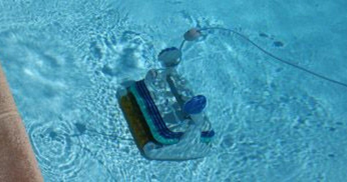 L 39 aspirateur surpresseur pour une piscine propre for Aspirateur a piscine