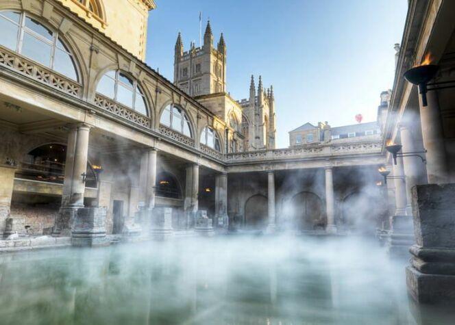 L'eau thermale de bath, naturellement chaude.