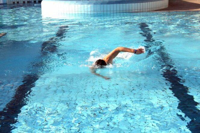 L'élastique de survitesse en natation