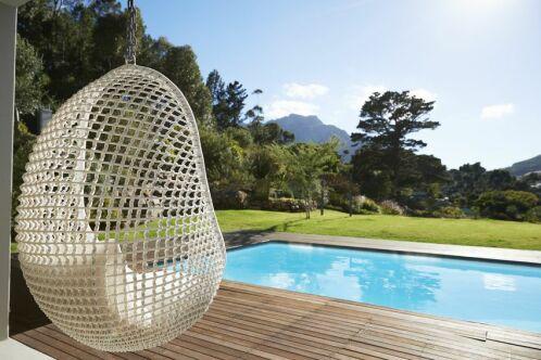 L'emplacement de la piscine dans le jardin