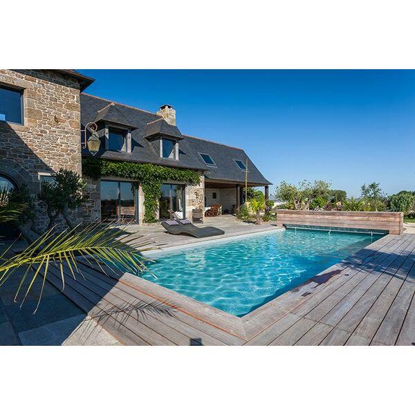 Piscines magiline reportage l entreprise de troyes for Entreprise piscine