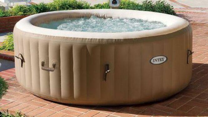 """L'entretien d'un spa gonflable doit être aussi minutieux que celui d'un spa normal.<span class=""""normal italic petit"""">© Intex</span>"""