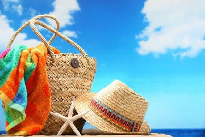 """L'entretien de la piscine avant un départ en vacances<span class=""""normal italic petit"""">© lily - Fotolia.com</span>"""