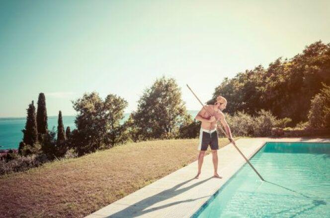 L'entretien et le nettoyage de votre plage de piscine