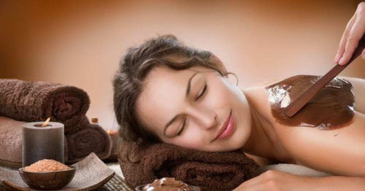 l 39 enveloppement du corps au chocolat un soin gourmand pour une peau r g n r e. Black Bedroom Furniture Sets. Home Design Ideas