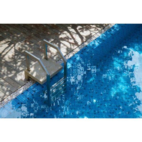 L escalier de piscine amovible ou escamotable for Piscine escamotable