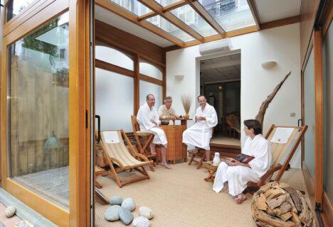 spa espace amphorm enghien les bains horaires tarifs et t l phone. Black Bedroom Furniture Sets. Home Design Ideas