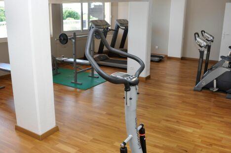"""L'espace fitness du spa """"Les Dryades"""" à Pouligny-Notre-Dame<span class=""""normal italic petit"""">DR</span>"""