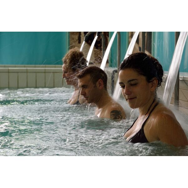 Thermes allevard les bains horaires tarifs et photos for Bains thermaux france