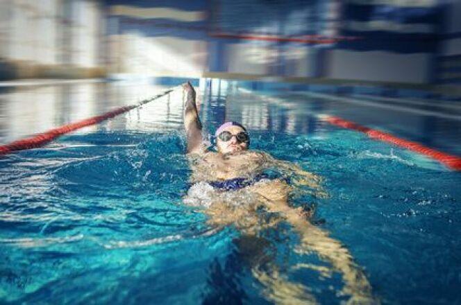 """L'exercice de la demi-vrille en natation<span class=""""normal italic petit"""">DR</span>"""