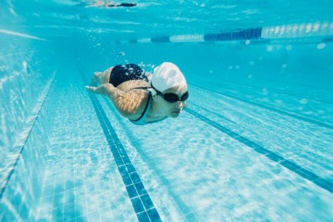 """L'exercice de la vrille en natation<span class=""""normal italic petit"""">DR</span>"""