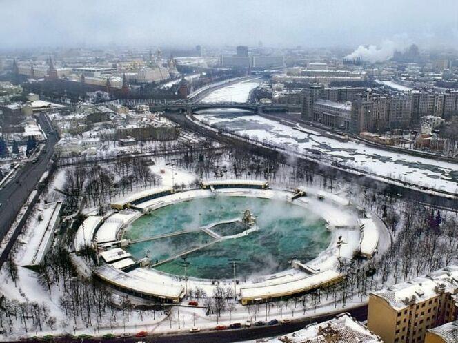 """L'histoire de la grande piscine de Moscou<span class=""""normal italic petit"""">© Cqmsjt</span>"""