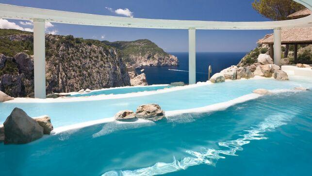 Piscine de l'hôtel Hacienda Na Xemena à Ibiza (Iles Baléares)