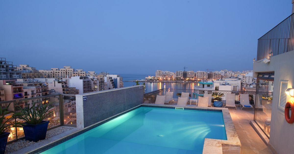 Les plus belles piscines sur toit dans le monde l 39 h tel for Piscine sur toit garage
