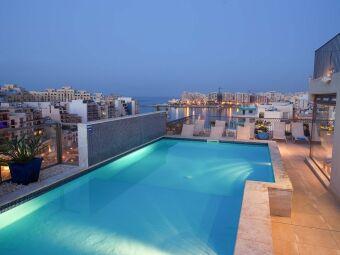 Les plus belles piscines sur toit dans le monde