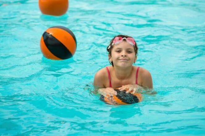 """L'hygiène à la piscine : comment protéger son enfant ?<span class=""""normal italic petit"""">© Damianno - Thinkstock</span>"""